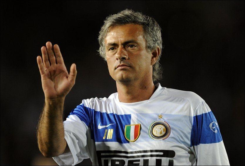KAN TENKE SEG ENGLAND-RETUR: Inter-sjef Jose Mourinho legger ikke skjul på at han savner engelsk fotball. Foto: AFP