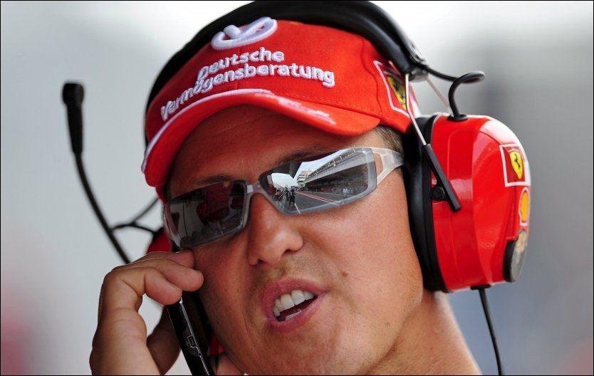 COMEBACK: Michael Schumacher tar Felipe Massas plass. Foto: EPA