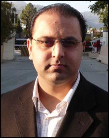 OPPRØRT: Samfunnsforsker Atilla Amir Iftikhar håper man ikke vil få se flere hendelsen der kriste og muslimer går til angrep på hverandre. Foto: Geir Terje Ruud