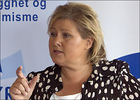 Erna utfordrer Jens om EU