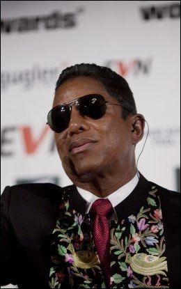 I et intervju med CNNs Larry King hevder Jermaine Jackson (54) at han fortsatt ikke vet om Omer Bhatti (25) er sønnen til Michael Jackson. Foto: Scanpix