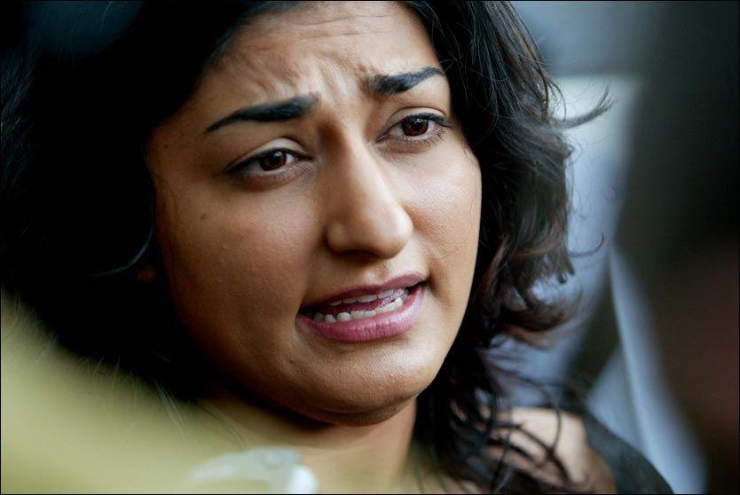 FRITTALENDE: Shabana Rehman er ikke redd for å lette på sløret. Foto: Scanpix