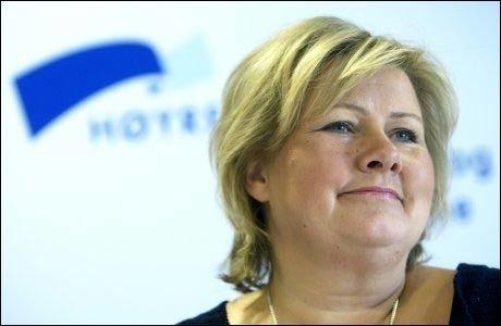 OPPTUR: Erna Solberg og Høyre får 14,9 prosent oppslutning i ny meningsmåling. Foto: SCANPIX
