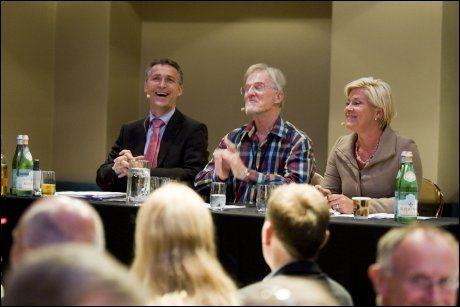 MUNTERT: Jens Stoltenberg og Siv Jensen stilte opp til LOs frokostdebatt om arbeid og velferd torsdag. Foto: Scanpix