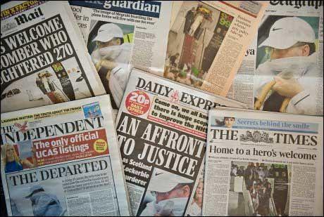 STERKE REAKSJONER: Avisforsidene i Storbritania fredag morgen. Foto: AFP