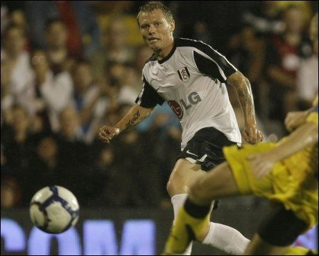 DEBUTERTE FRA START: Bjørn Helge Riise bidro onsdag kveld til å sende Fulham inn i gruppespillet i Europa League. Foto: AP