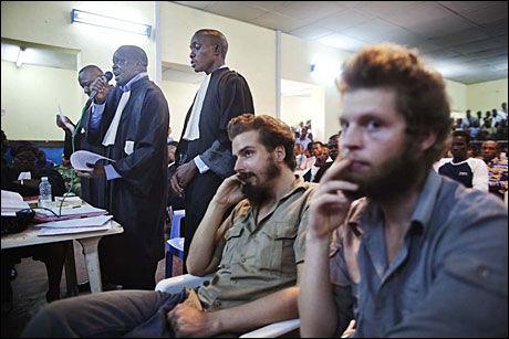 FIKK SITTE: De tiltalte nordmennene Tjostolv Moland og Joshua French fikk til slutt lov til å sette seg. Foto: JØRGEN BRAASTAD