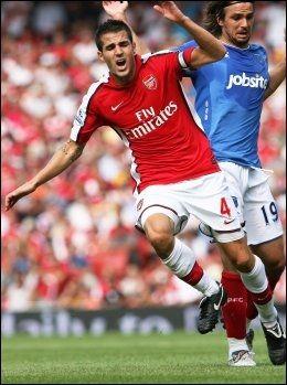 SKADET: Arsenals Cesc Fabregas sliter med en skade, og skal være ukatuell til lørdagens storkamp mot Manchester United. Foto: AFP