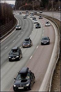 VIL ØKE FARTEN: Frp vil at bilistene skal kunne kjøre i 110 mellom Oslo og Gardermoen. Foto: Scanpix