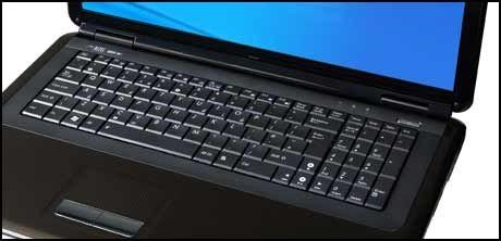 Tastaturet er stort og behagelig å skrive på. Foto: Asus.