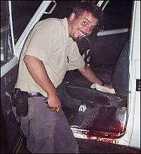 - Bildet beviser bare at han vasker bilen