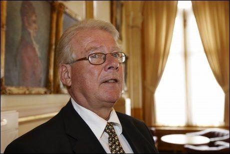 LITE SYNLIG: Tidligere partileder Carl I. Hagen. Foto: Scanpix