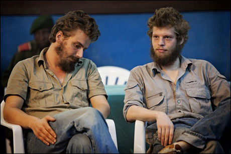 DØDSDØMT: Tjostolv Moland (t.v.) og Joshua French (t.h.) ble kjent skyldige på alle fem tiltalepunkter i retten i Kisangani tirsdag. Foto: Jørgen Braastad