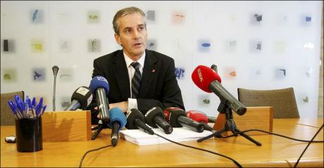 REAGERER: Utenriksminister Jonas Gahr Støre reagerer sterkt på at to nordmenn er dømt til døden i Kongo. Foto: Scanpix