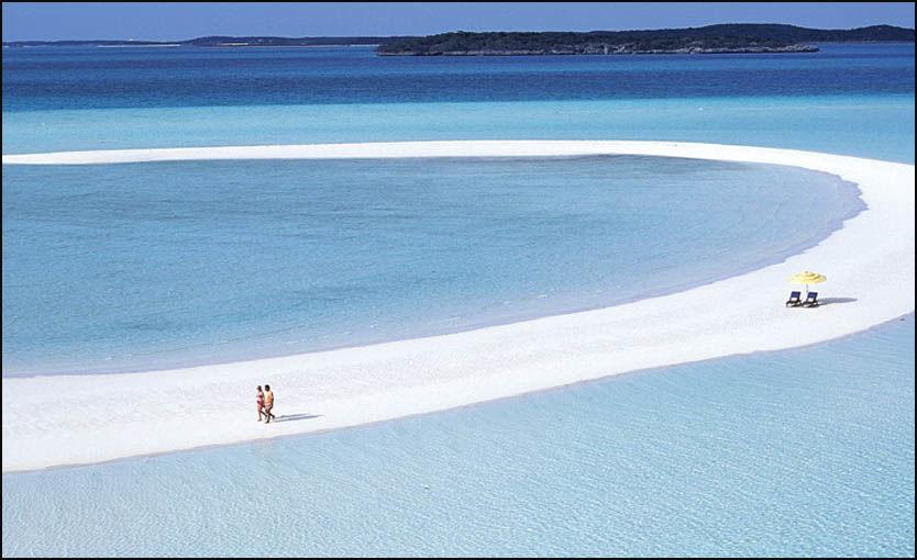 MAGISK?: David Copperfields private paradis på Bahamas kan bli ditt. Og om du tar med deg 23 av dine nærmeste venner, kommer dere under 10.000 kroner per person per natt. Foto: Musshacay.com