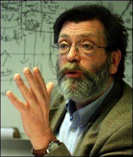- ALLE HAR BLITT PROFFE: Det mener valgforsker Frank Aarebrot. Foto: Hallgeir Vågenes