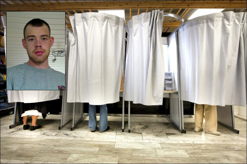 HIT, MEN IKKE LENGER: Christian Hanseth (innfelt) fikk fylle ut stemmeseddel, men da han skulle formelt avlevere den ble han stoppet. I manntallet sto det at han allerede hadde levert.