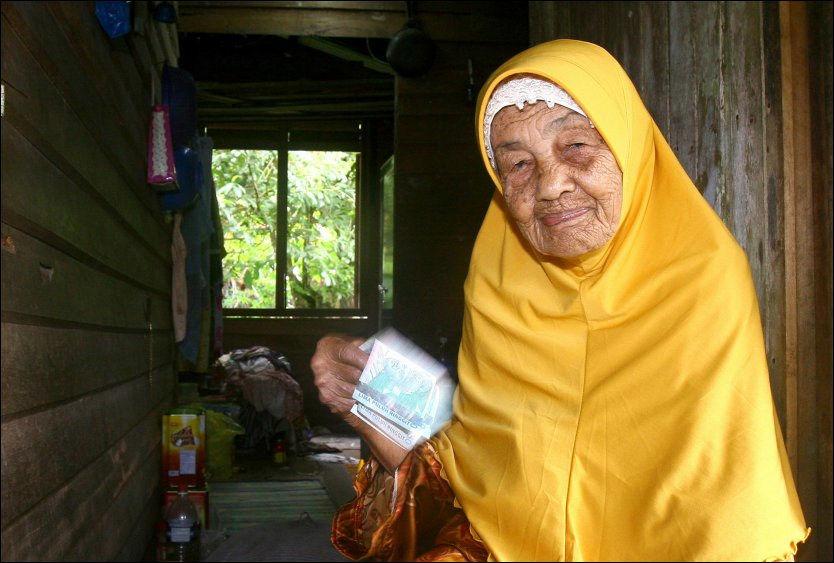 VIL GIFTE SEG - IGJEN: 107 år gamle Mek Wok fra Malaysia. Foto: AFP