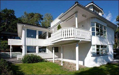 TIL SALGS: Carl I Hagen og Eli Hagens villa på Bestum. Foto: Dragutin Lazic Fotoringen