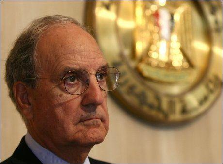 ADVARER: USAs spesialutsending George Mitchell har advart israelerne om bosettingene. Foto: AFP