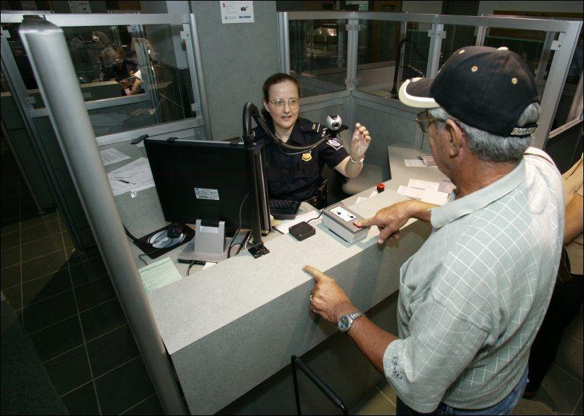 HJERTELIG VELKOMST?: Hva slags førsteinntrykk gir ulike land sine besøkende i passkontrollen? VG tester passkontroller. Foto: US CUSTOMS AND BORDER PROTECTION