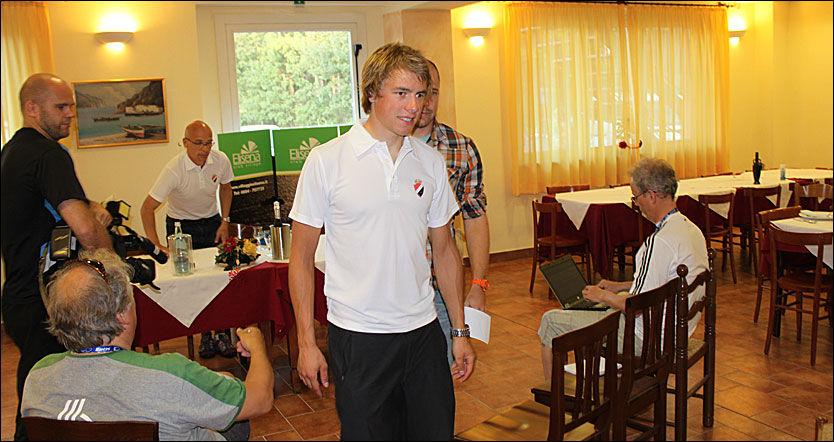 TAUS DAGEN FØR DAGEN: Edvald Boasson Hagen - her fra dagens pressemøte i Varese. Foto: Anders K. Christiansen, VG Nett