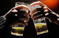 Ølet stadig dyrere for britene