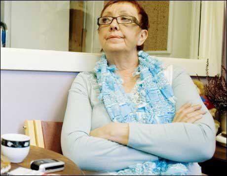 FØLER SEG GLEMT: Johanna Engen i Fattighuset er ikke fornøyd med regjeringens tiltak for å bekjempe fattigdom. Foto: Scanpix