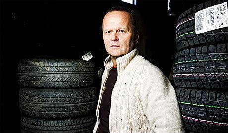 ERFARING: - Kjøreerfaring bør telle når du velger dekktype, mener NAF-bladet Motors redaksjonssjef Rune Korsvoll. Foto: Andrea Gjestvang