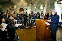 Jagland slår tilbake mot Nobel-kritikken