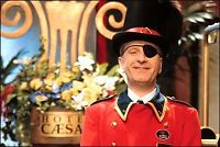 Han gjør comeback i «Hotel Cæsar»