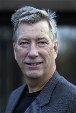 - BLIR FINANSMINISTER: Sigbjørn Johnsen. Foto: SCANPIX