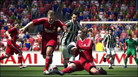 REALISTISK: Spillermodellene i «Pro Evolution Soccer 2010» er veldig virkelighetsnære. Foto: KONAMI
