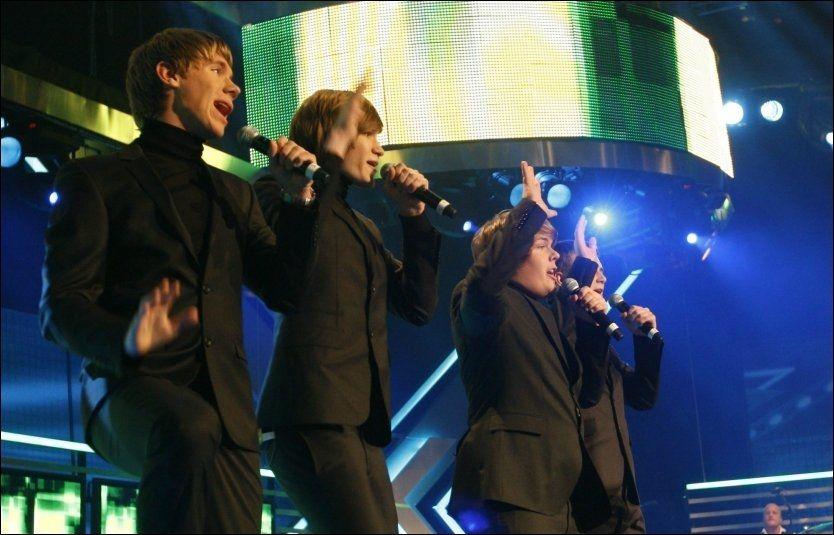 DRØMMEN BRAST: No Name - No Fame fra Harstad på scenen i kveldens «X-Factor», hvor de trakk det korteste strået. Foto: Scanpix