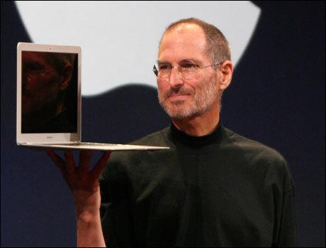 Steve Jobs lar seg ikke skremme av Microsofts nye operativsystem. Foto: Matthew Yohe, Wikimedia Commons