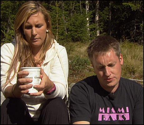 ALVORSPRAT: Kristian (32) tok Heidi (24) til side og konfronterte henne med det han fryktet kunne være manglende interesse fra hennes side. Foto: TV 2