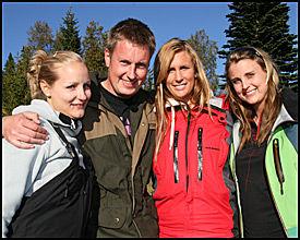 GIKK VIDERE: Kristian Akervold med sine tre gjenværende friere. F.v Jeanette H. Richardsen, Heidi Berg og Anita Orvedal. Foto: Beate Larsen/TV 2