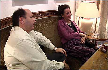 -FORGIFTET: VG Nett møtte Solveig Holt Naidoo og samboer Henrik Bredal i deres hjem. Hun sier hun ble forgiftet av B17-behandling. Foto: Niklas Lynau
