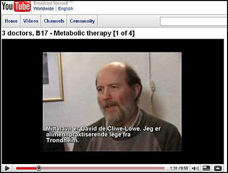 ADVARER: Lege David De Clive-Lowe ble gransket av fylekslegen, etter at han advarer mot cellegift i denne videoen på nettstedet YouTube. Foto: Skjermdump YouTube.