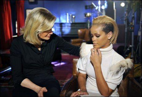 SNAKKER UT: Diane Sawyer var kvinnen som fikk det første TV-intervjuet med Rihanna siden voldsepisoden med Chris Brown. Foto: Reuters