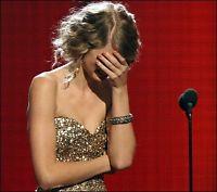 Taylor brast i gråt på prisfest
