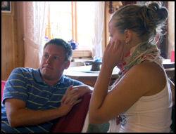 TRAKK SEG ETTER SAMTALE: Jeanette og Kristian i samtalen som resulterte i at Jeanette reiste. Foto: TV 2