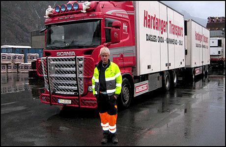 HADDE FLAKS: Lastebilsjåføren Jørn Østhus. Foto: Hardanger Transport Foto: Privat