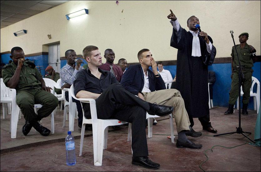 DØDSDØMT: Joshua French og Tjostolv Moland er dømt til døden i Kongo. Her får de dommen i juni i år. Foto: Andrea Gjestvang