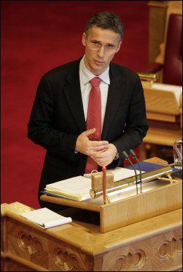 MØTER OBAMA: Jens Stoltenberg tar imot USAs president på sitt eget kontor. Foto: Scanpix