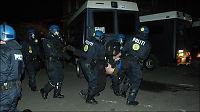 Dansk politi: De kastet brannbomber på oss