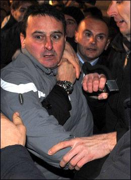 ANGREP BERLUSCONI: Massimo Tartaglia (42) ble pågrepet etter angrepet på statsminister Silvio Berlusconi. Foto: EPA