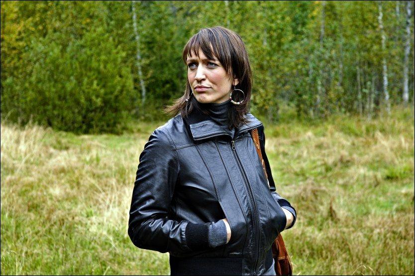 GRØNT LYS: Ingerid Stenvold (32) får innvilget søknaden om å snakke dialekt som nyhetsanker på Dagsrevyen. Med dette bryter hun en barriere i Dagsrevyens historie. Foto: Aftenposten