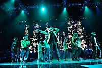 «X Factor»-finalistene står på Michael Jacksons scene