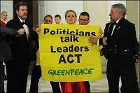 Norske Greenpeace-Nora blir sittende i fengsel